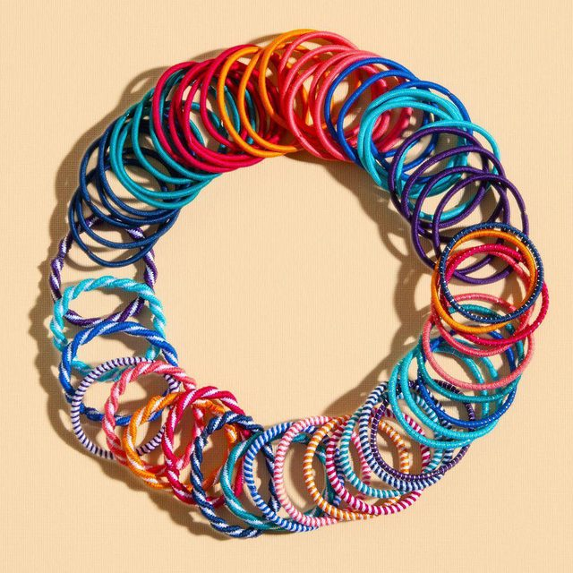 A girl's got to have choices 👌😉 Comment your favorite color of our classic Ouchless® elastics! #goodyhair #feelgoody